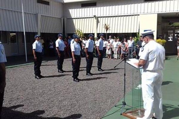 Les six futurs gendarmes décorés à l'issus de leur formation