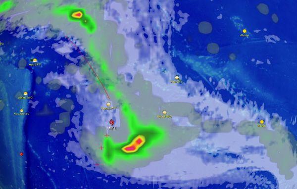 Deux dépressions se sont creusées ces dernières heures au voisinage des Cook du sud près du 160 W. (93931)