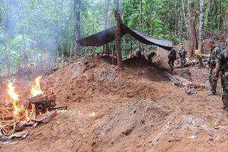 Démantèlement d'un site d'orpaillage par les militaires