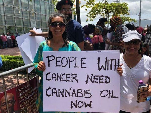 Trinidad et Tobago lobbyist pour le cannabis