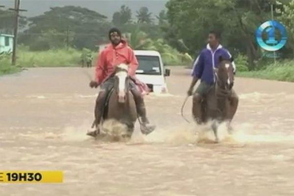Cyclone Keni aux Fidji