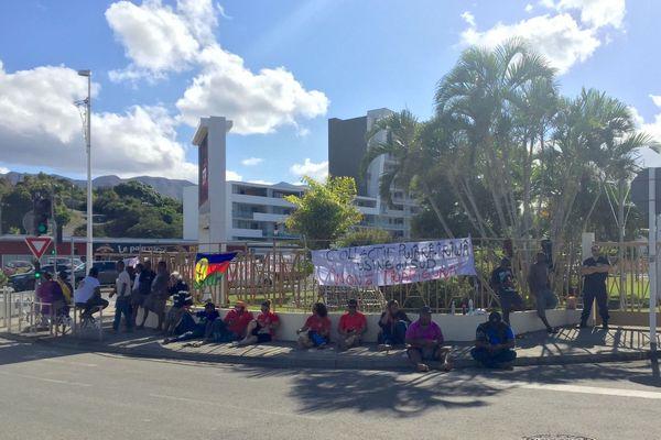 Usine du Sud : blocage à la mairie du Mont-Dore, 19 novembre 2020