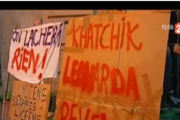 Les lycéens et collégiens ont manifesté, encore aujourd'hui, à Paris, pour demander le retour en France de Léonarda