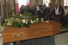 Le cercueil de l'enseignant et journaliste de Tony Marty à la cathédrale de Fort-de-France (samedi 7 mars 2020).