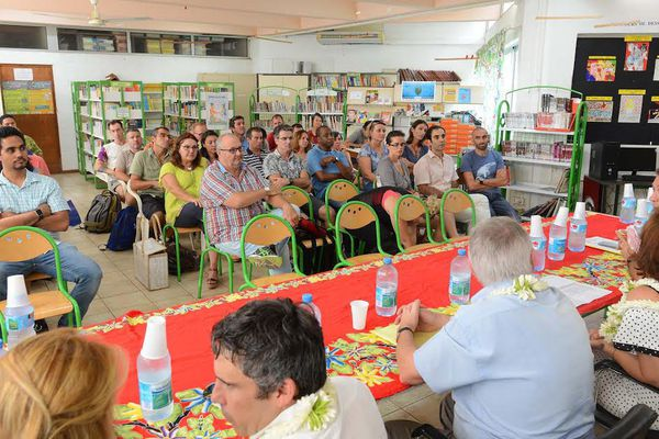 La ministre de l'éducation, le vice recteur et le directeur de la DGEE au collège Henri Hiro de Faaa