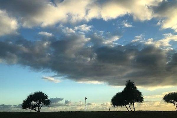 Ciel matinal sur St Denis