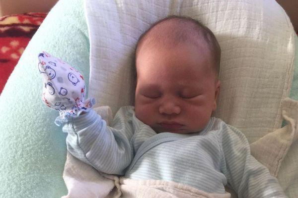 le dernier bébé né en 2017 à la maternité de Wallis