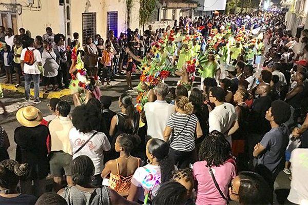 Carnaval de nuit au Lamentin