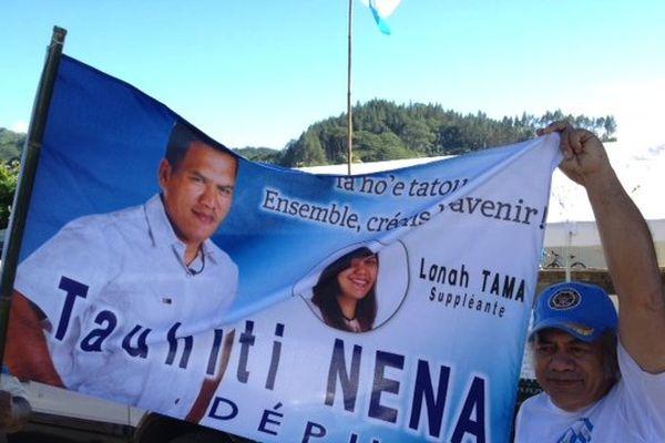 Tauhiti Nena arrive en tête à Papeete