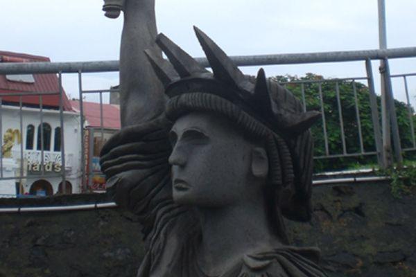statue de la liberté-basse-terre