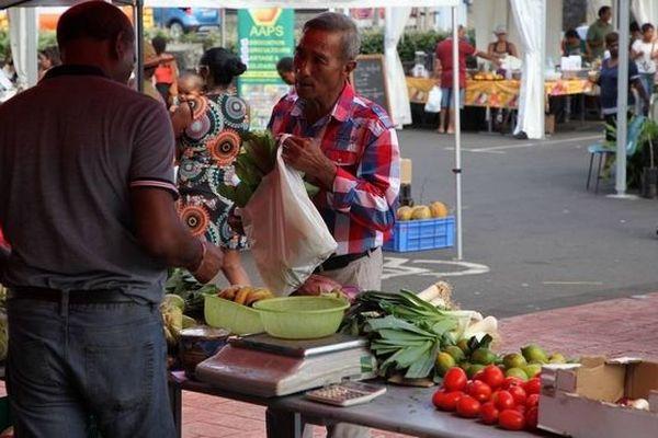 Saint-André : marché des producteurs