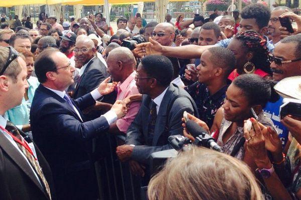 Hollande Bain de foule