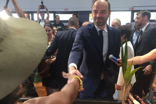 Edouard Philippe en Calédonie Nouméa marché 2 décembre 2017