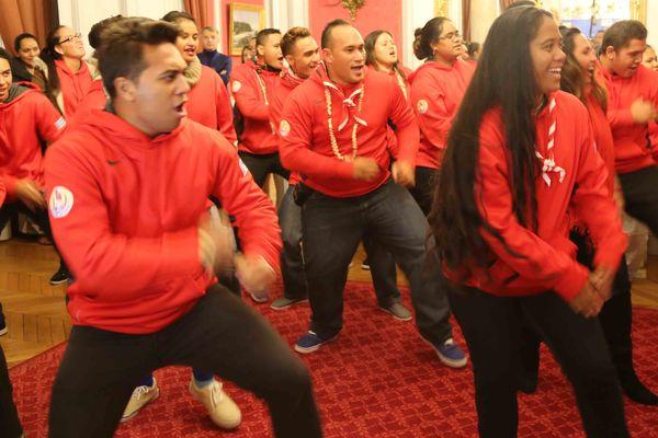 Le haka des jeunes Polynésiens venus à la COY