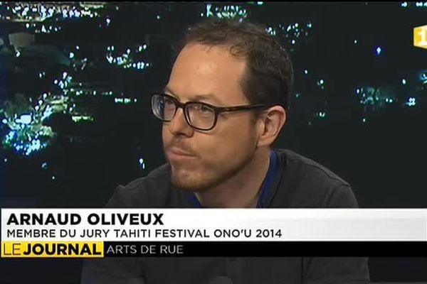 Arnaud Oliveux, expert en art contemporain