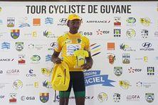 Patrice Ringuet en jaune à l'issue de la deuxième étape