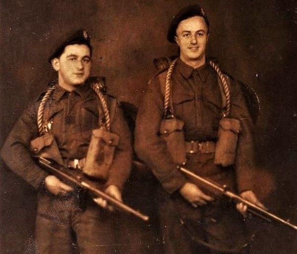 Henri Dorfsman (à gauche), le 5 juin 1944