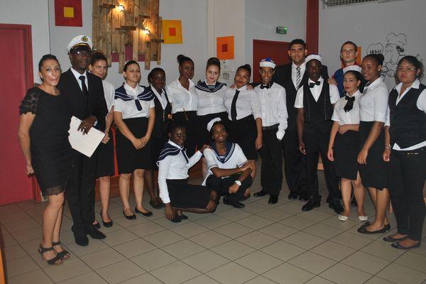 La classe BTS hôtellerie -restauration 1ère année du lycée Melkior et Garré