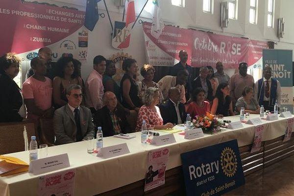La ville de Saint-Benoît se mobilise contre le cancer du sein.
