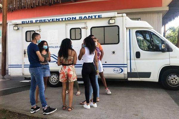 campagne de dépistage des IST au lycée marie curie à Sainte-Anne 301120
