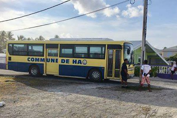 Hao a prêté un de ses bus pour le transport des athlètes