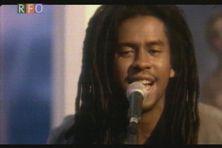 Tonton David est né en octobre 1967 à La Réunion.