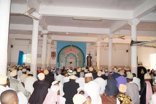 Prière à la Mosquée