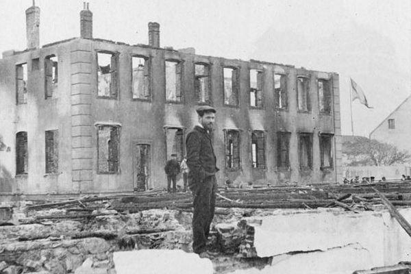 incendie palais justice eglise 1902