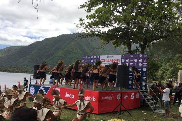 cérémonie ouverture teahupoo