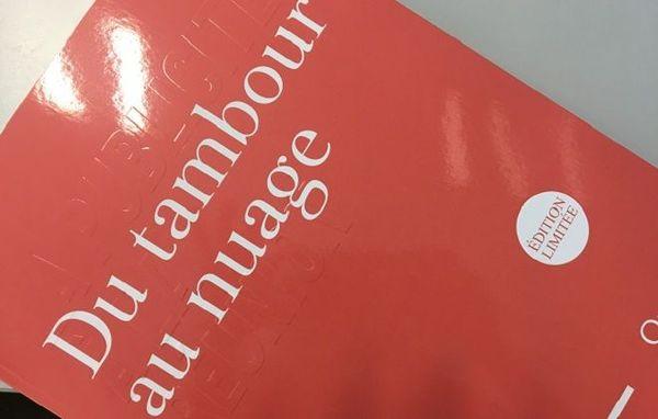 """""""Du tambour au nuage"""", ouvrage de Daniel Vaxelaire, est publié aux Éditions Orphie."""