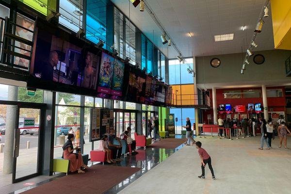 Les salles de cinéma de La Réunion peinent à remonter la pente après la crise du coronavirus.