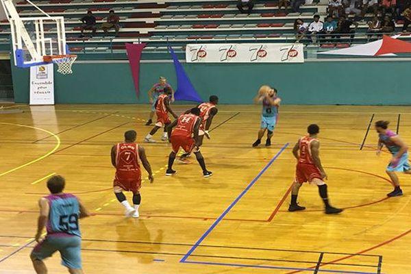 Basket hommes