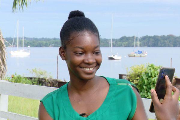 Rose Emmanuella 19 ans admise à Sciences Po Poitiers