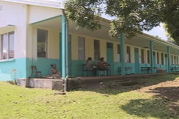 service minimum dans une école de Wallis