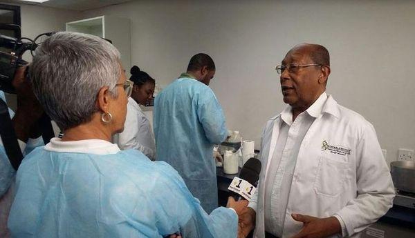 Dr. Henry Lowe, scientifique de la Jamaïque