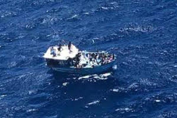 bateau de migrants au large de la réunion