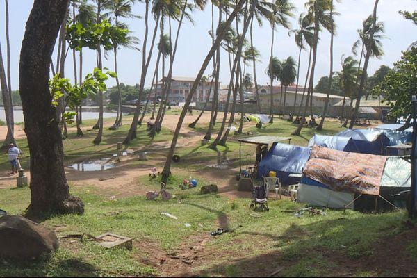 Le camp de réfugiés à la Pointe Buzaré