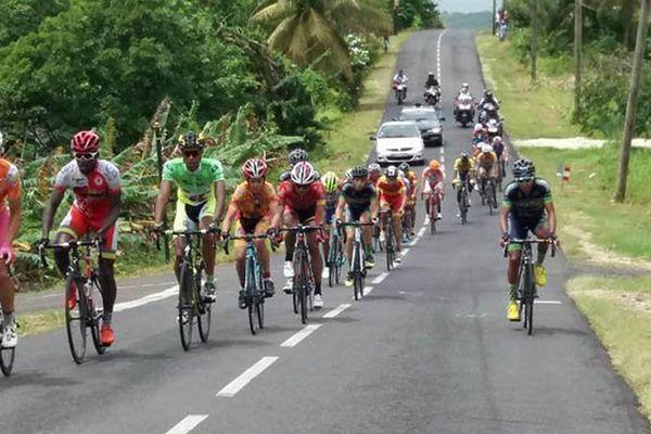 cyclisme peloton au tour de Marie-Galante