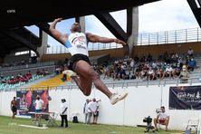 Le Réunionnais Ruben Gado dispute les épreuves combinées du meeting de La Réunion.