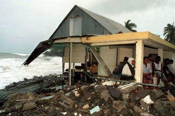 Des sinistrés après le passage de l'Ouragan Lenny