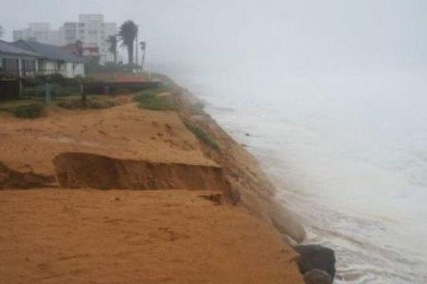 La tempête a entraîné l'érosion du littoral