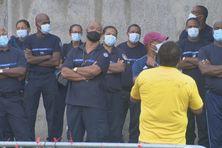Les agents du centre pénitentiaire de Ducos.