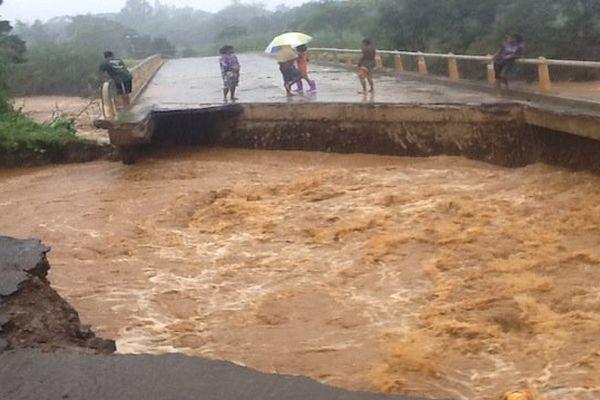 Thio-inondations-pont-030713