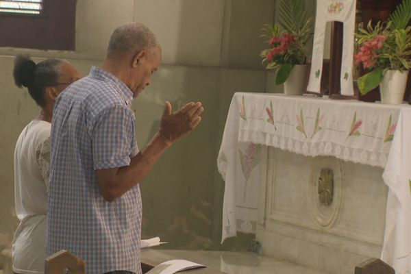 Fidèles de l'église catholique