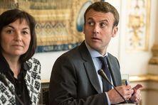 Annick Girardin et Emmanuel Macron en mai 2016 lors d'une réunion interministérielle.
