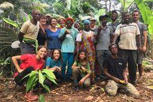 Ce sont ces producteurs qui ont eu l'idée de relancer la culture du cacao et du café.