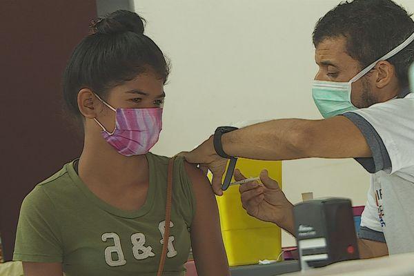 Covid-19 : les jeunes de 12 ans et plus peuvent désormais se faire vacciner