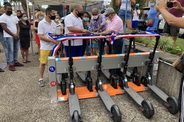 Inauguration des 2 premières stations de trottinettes électriques à Saint Joseph