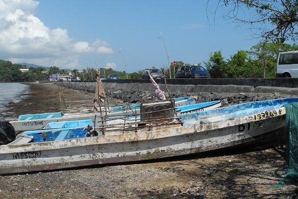 barques de pêche en petite terre