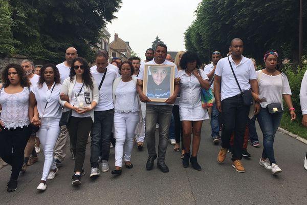 Marche blanche en hommage à Alexandre Gonneau